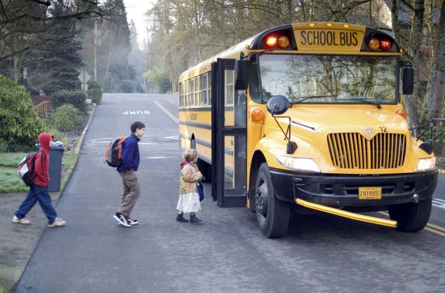 school-bus-1525654-1279x844